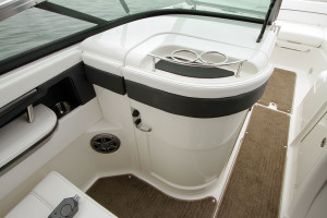 Sea-Ray-240-Sundeck-OB_07