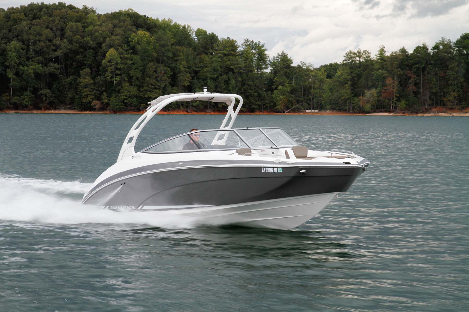 Yamaha 242 Limited S Boating World
