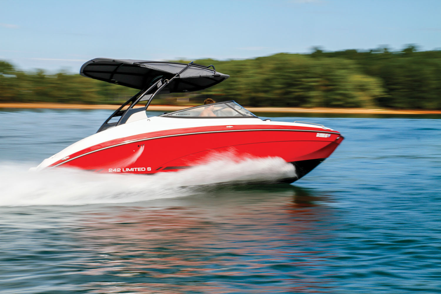 Pictures of Yamaha 242 Limited S Boat Covers