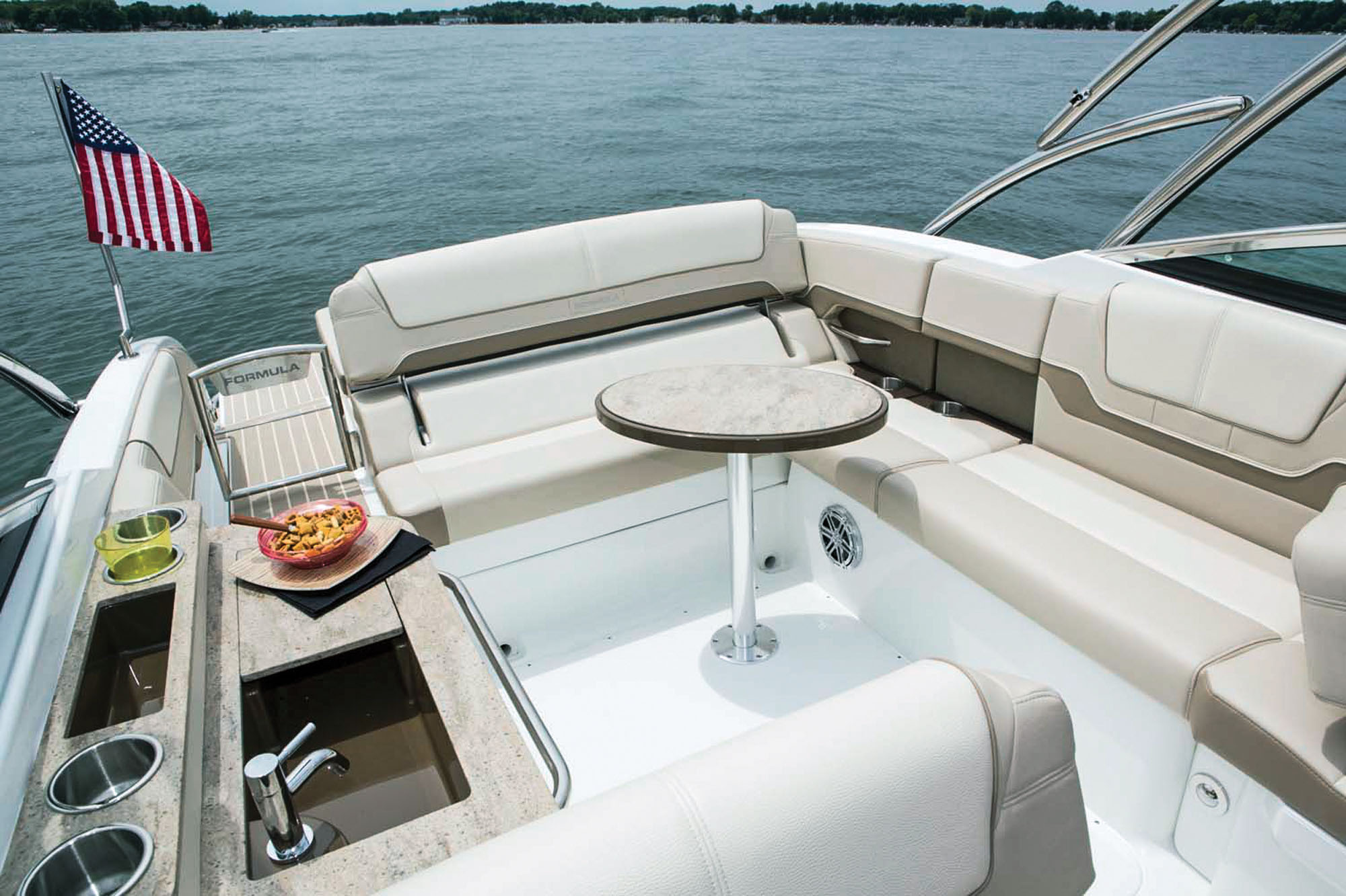 Pictures of Formula 290 Bowrider
