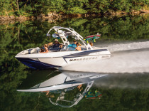Malibu Wakesetter 20 VTX – Malibu has reinvented the Wakesetter 20 VTX from the hull up.