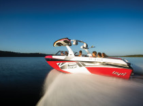 Tigé RZX – Tigé's RZX delivers what buyers want most in a surfing, wakeboarding machine: more.