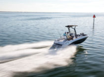 Scarab Open 195 – Scarab's new Open 195 brings the art of tailgating to the sport of boating.