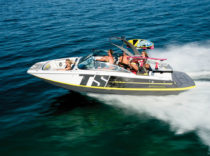 Four Winns TS 222 – The Four Winns TS 222 brings wakesurfing to a place it's seldom been — a sterndrive-powered boat.