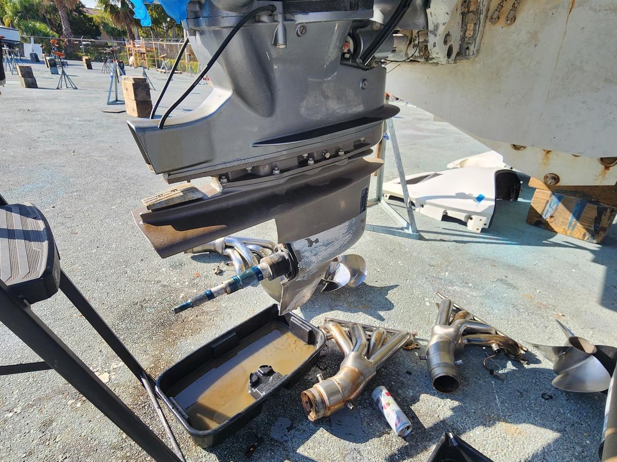 Sea Ray SLX-W 230 – Boating World