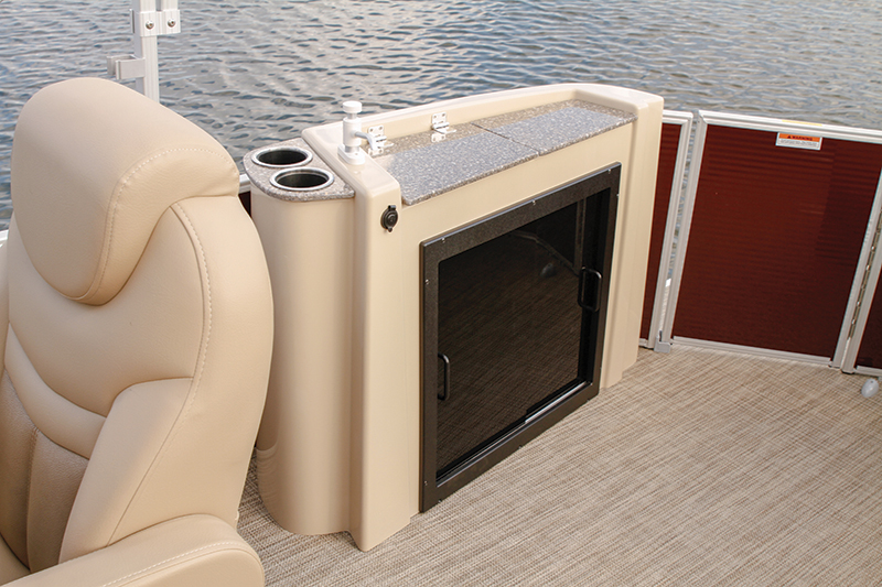 Phenomenal Movin On Upsweetwater 2386 Boating World Alphanode Cool Chair Designs And Ideas Alphanodeonline
