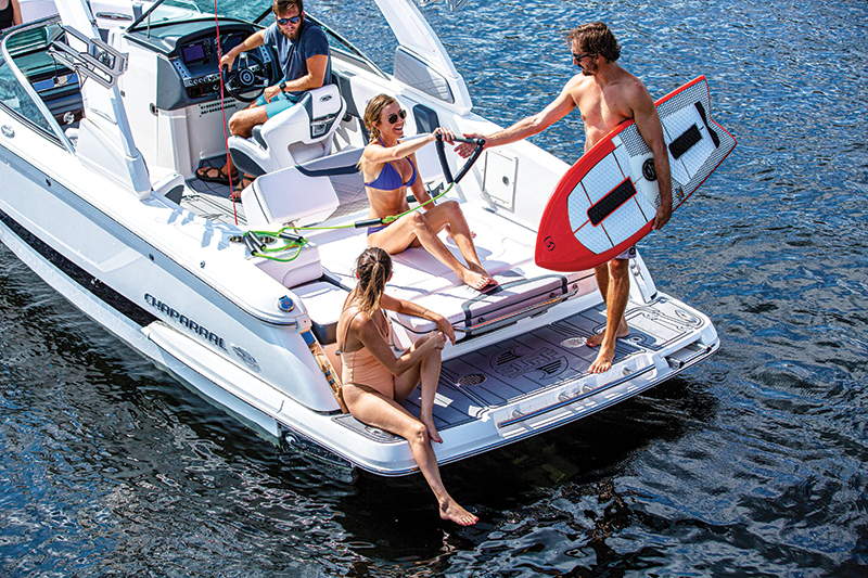 chaparral 25 surf